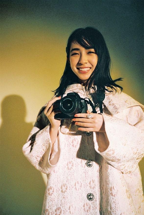 金村美玖(日向坂46)カメラ
